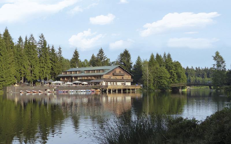 Waldhotel Am Fichtelsee In Fichtelberg Details Hotel In Der